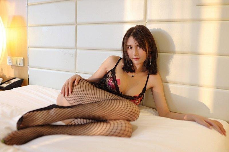 性感风情少妇美艳黑丝美腿前凸后翘勾魂惹人[46P]