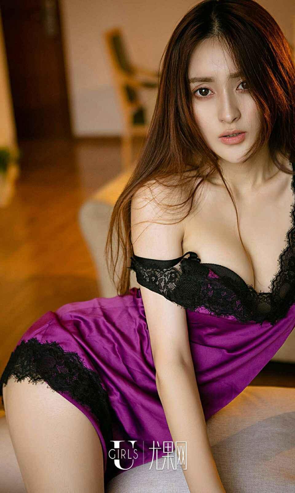 日本美少妇睡衣低胸写真